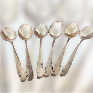 6 Piece Matching Set of  Vintage WM Rogers Extra Silver Plated Teaspoons